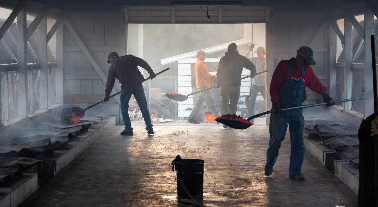 The shovel leaning workshop